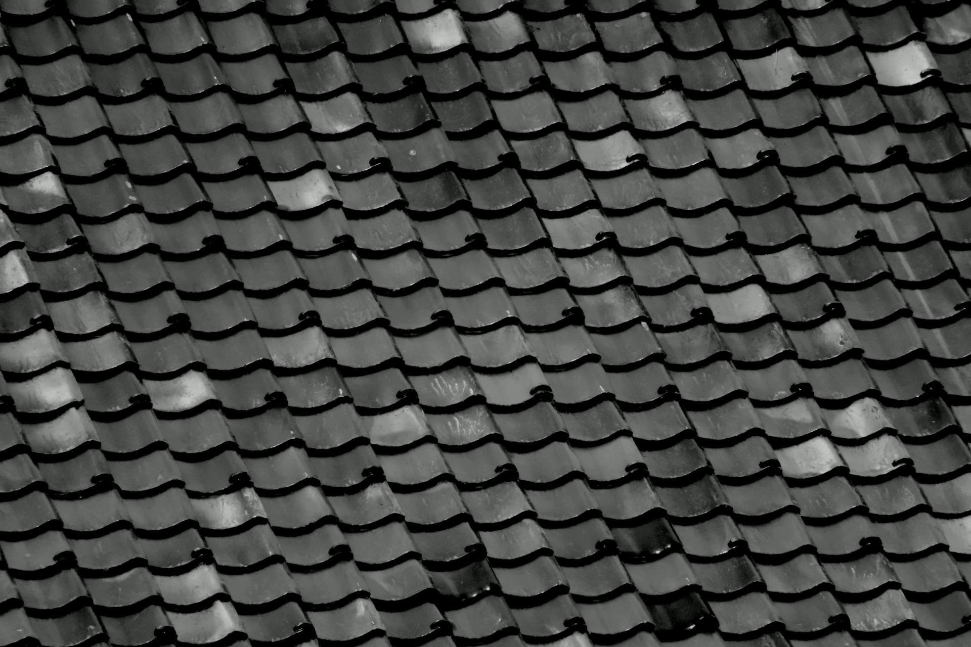 瓦の屋根って塗装は必要なの?