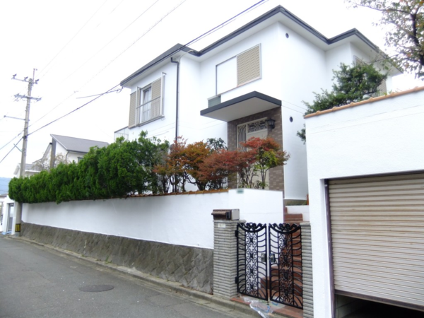 10月30日完成です。 太宰府市長浦台・F様邸 外壁塗装・屋上防水工事