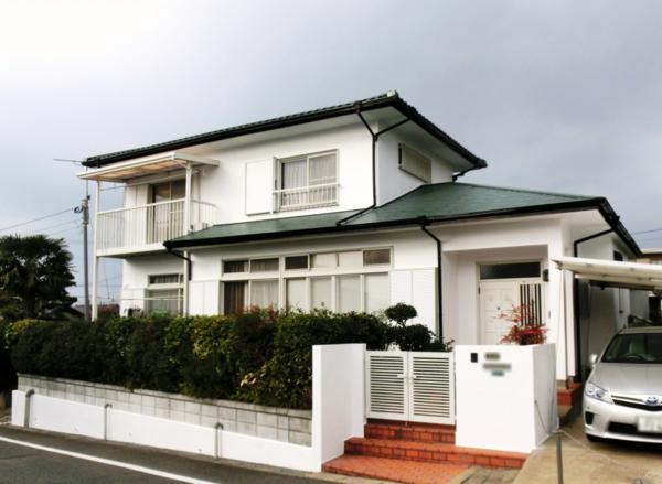 12月29日完成です。太宰府市梅香苑・M様邸 外壁塗装・屋根塗装工事