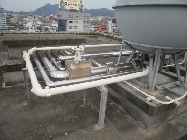 11/24完成です。福岡市東区・香椎税務署様 屋上配管塗装工事