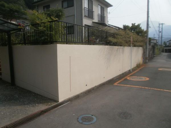 10/30完成です。太宰府市・K様邸 塀塗装工事
