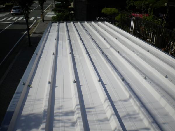 11/8完成です。Y様邸 車庫屋根塗装工事