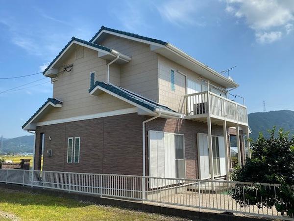 10/2完成です。筑紫野市阿志岐・S様邸 外壁塗装・屋根塗装工事
