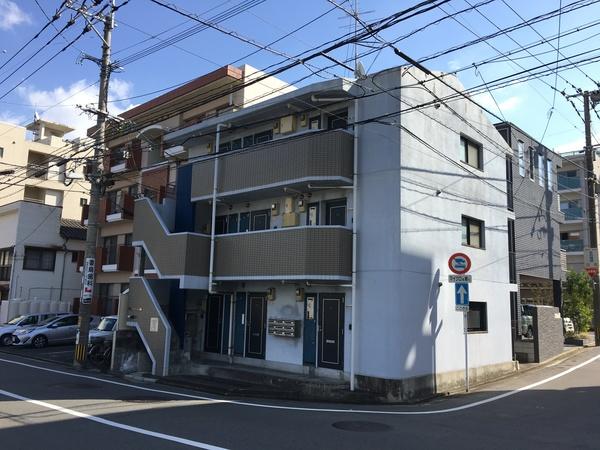 福岡市城南区鳥飼・プレステージ鳥飼様 外壁塗装・屋根塗装工事 11/27着工です。
