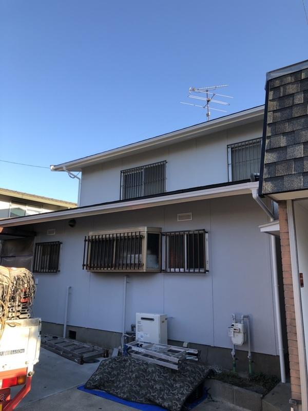 12/29完成です。筑紫野市二日市北・K様邸 外壁塗装・屋根葺き工事