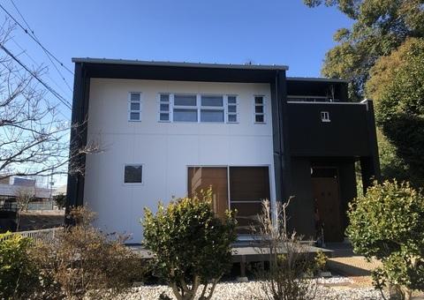2/4完成です。筑紫野市原田・K様邸 外壁塗装・屋根塗装工事