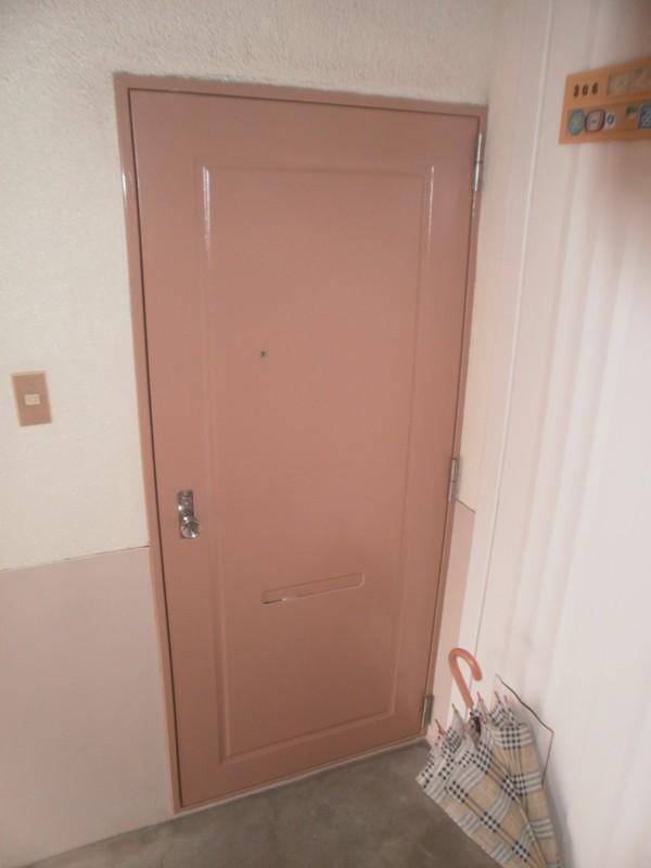 9/3完成です。福岡市南区・かみわたりビル様 ドア塗装工事