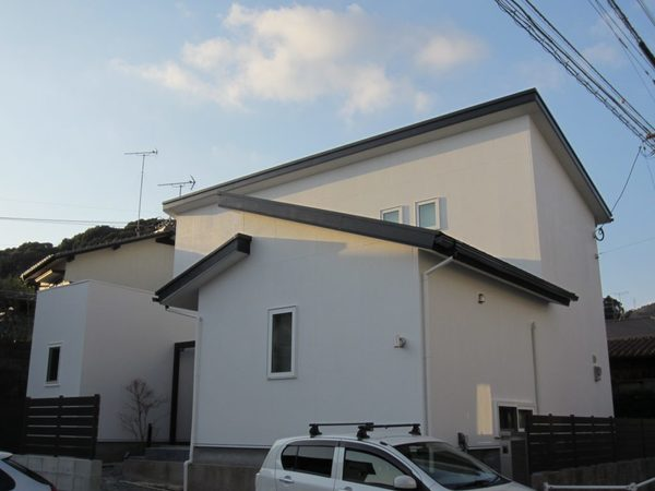 12/30完成です。太宰府市白川・Z様邸 外壁塗装・屋根塗装工事