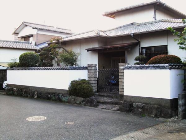 11/6完成です。筑紫野市針摺南・M様邸 塀塗装工事
